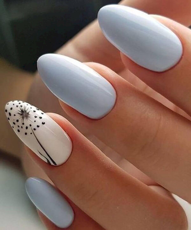 uñas celeste blanco