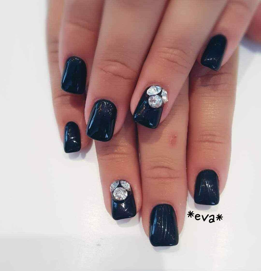 Para uñas negras