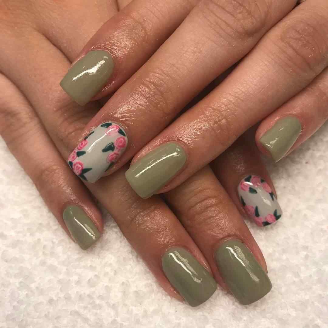 uñas verde oliva con flores