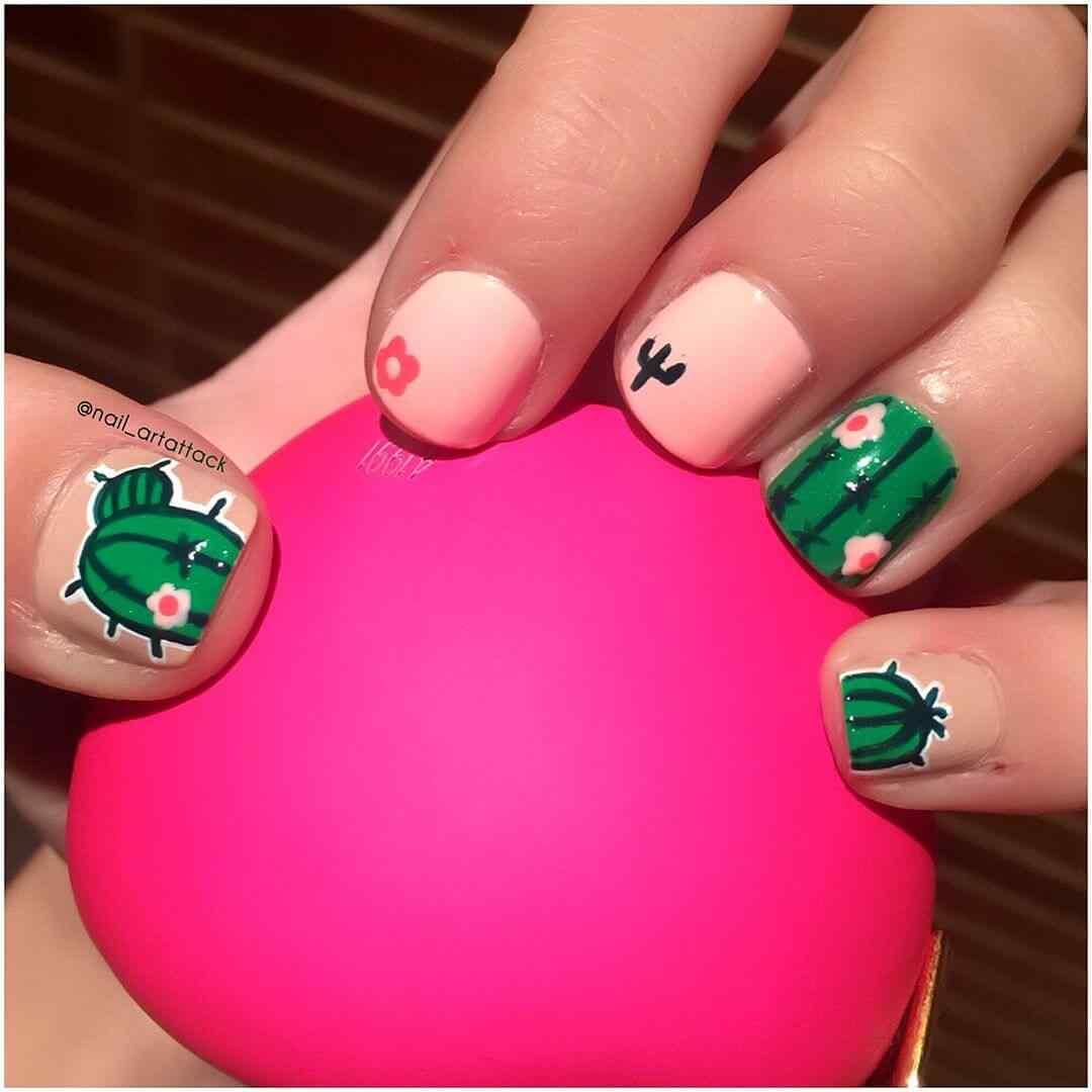 uñas verdes con cactus