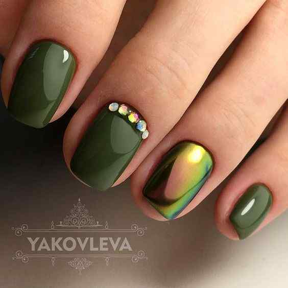 uñas verdes cromo