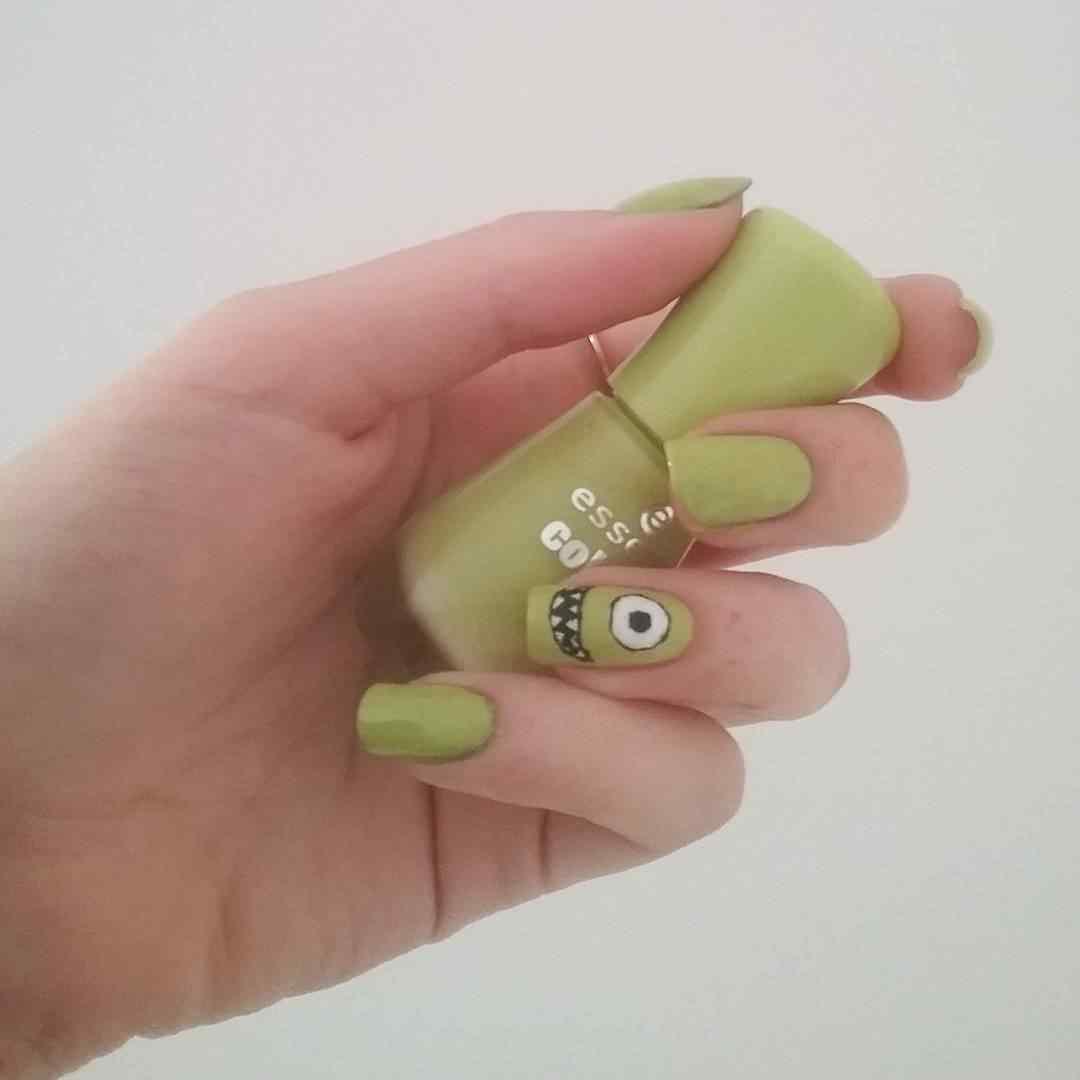 uñas verdes monster inc
