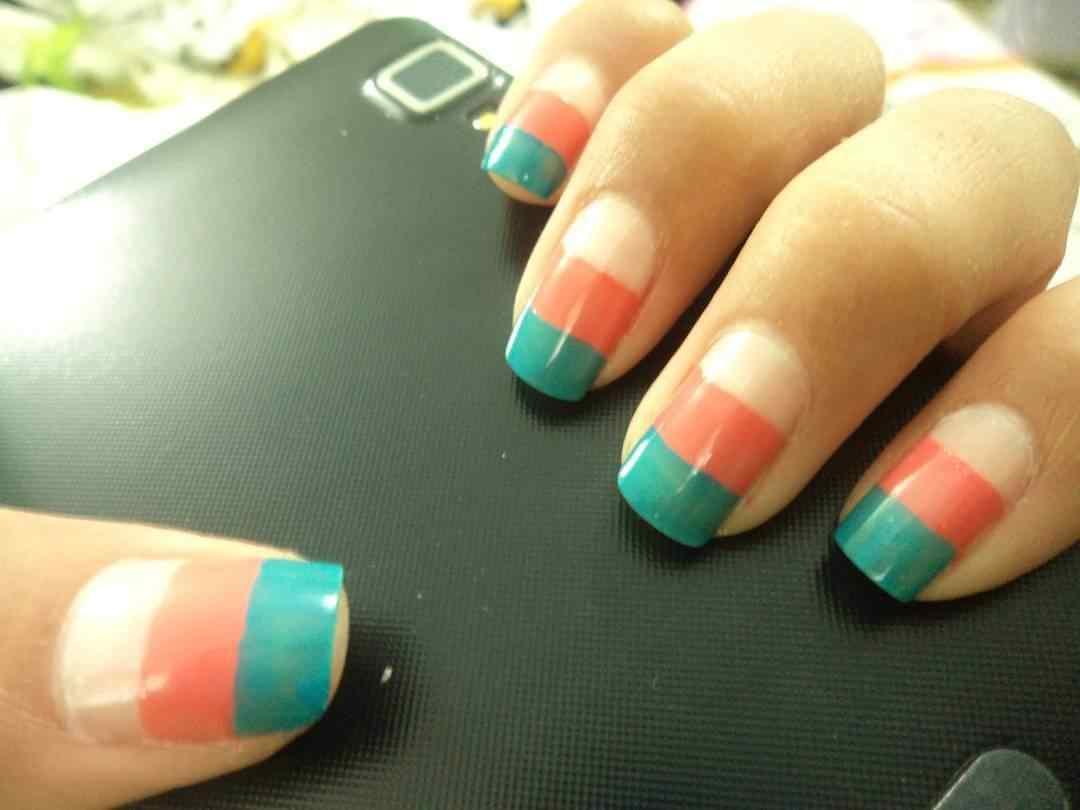 uñas tricolor