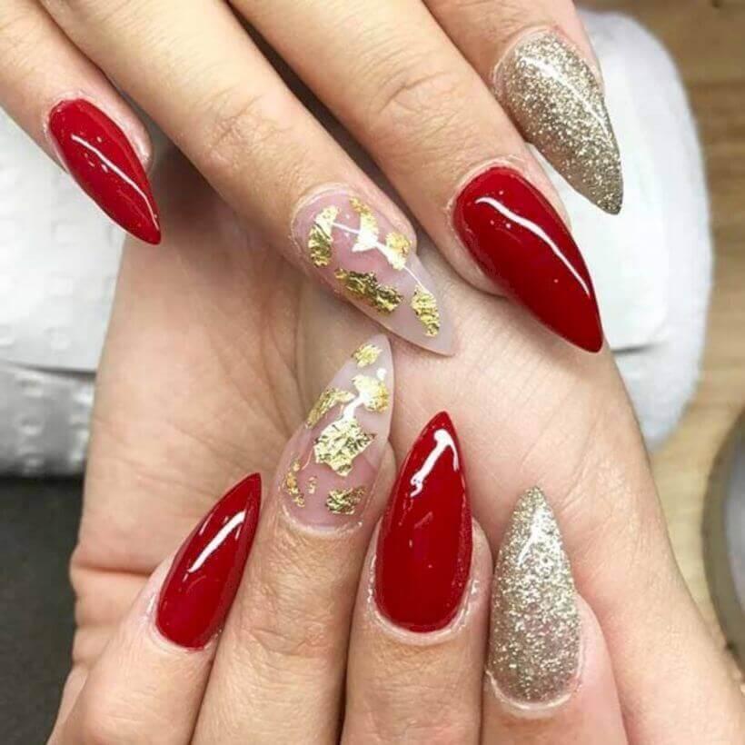 decoracion de uñas doradas con rojo