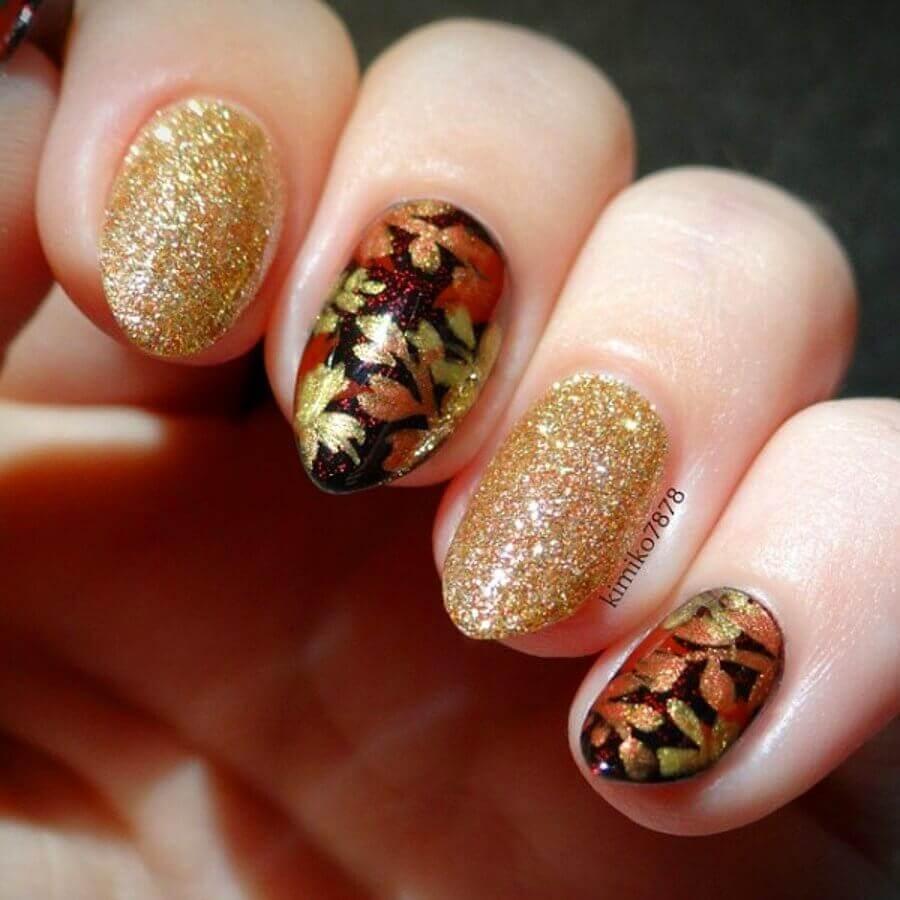 uñas doradas de otoño