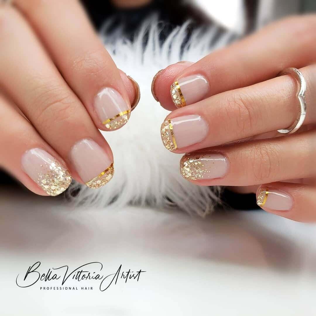 uñas francesas doradas elegantes