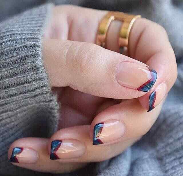 uñas francesa en punta y dos colores