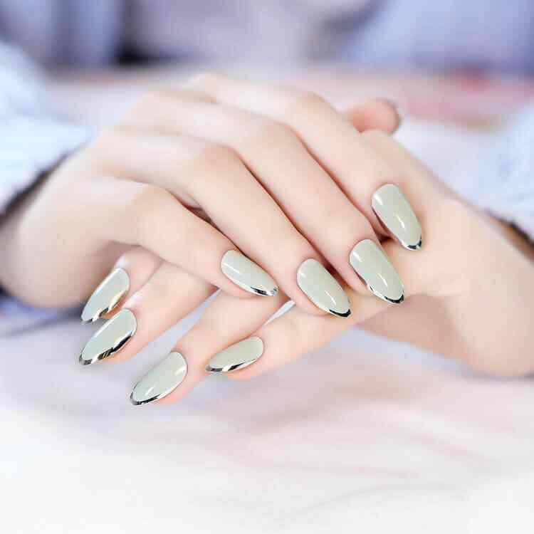 uñas verdes elegantes