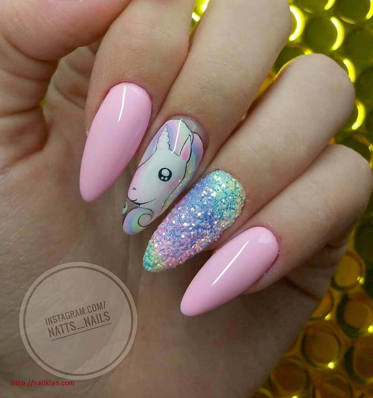 decoracion de uñas para niñas con unicornio