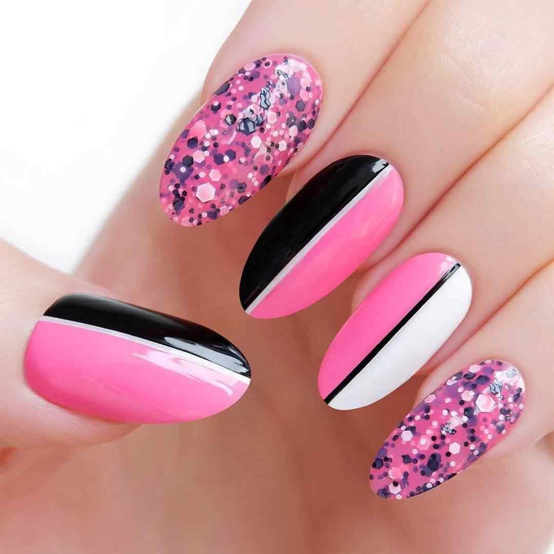 decoracion de uñas rosa con negro