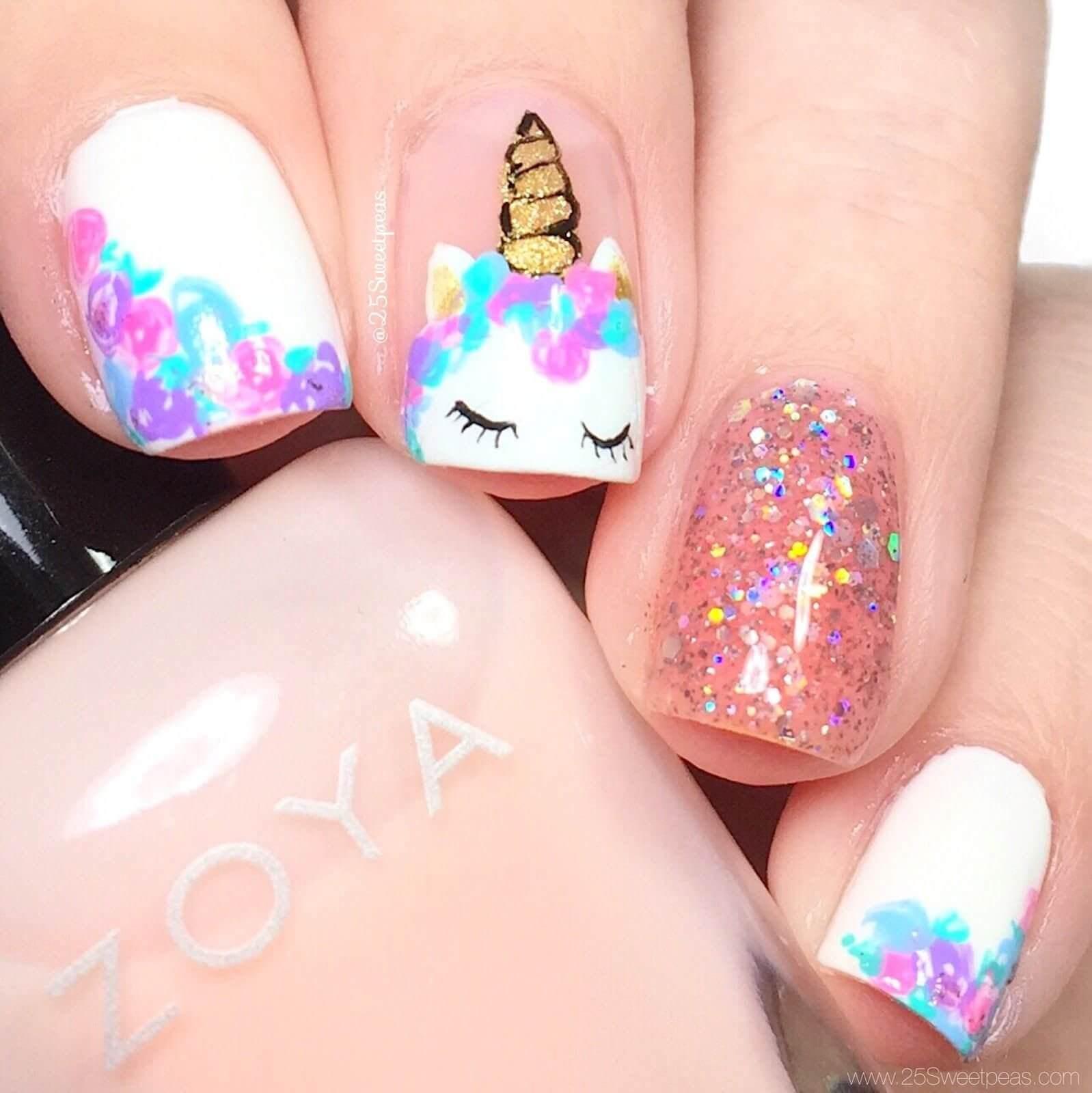 diseño de uñas con unicornio para niñas