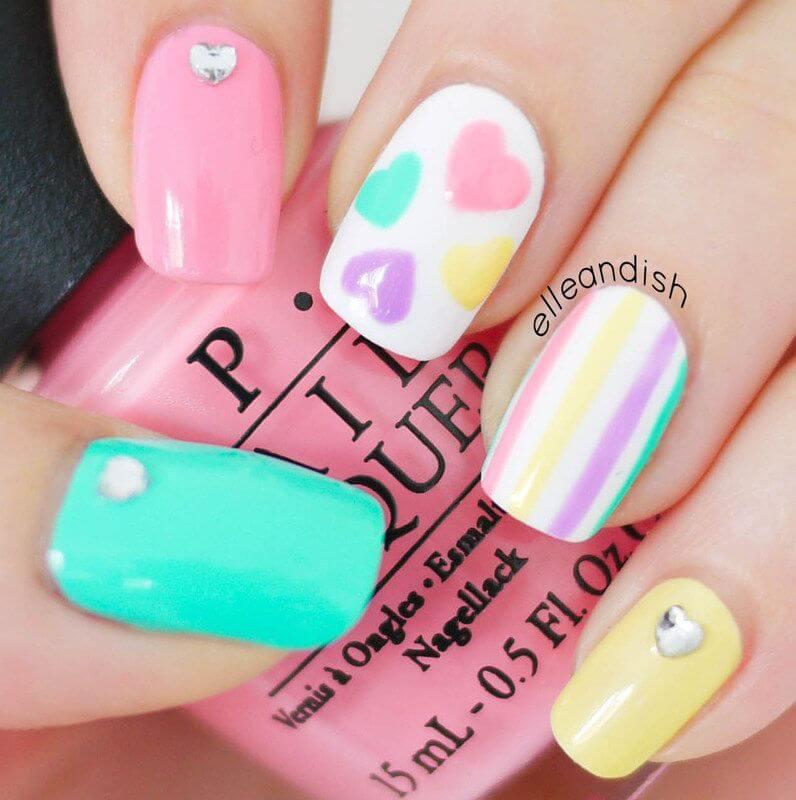 diseño de uñas para niñas con corazon