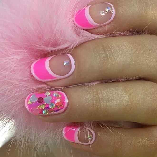 diseño de uñas rosa para niñas