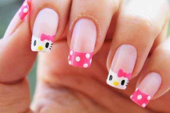 diseño juvenil de uñas acrílicas