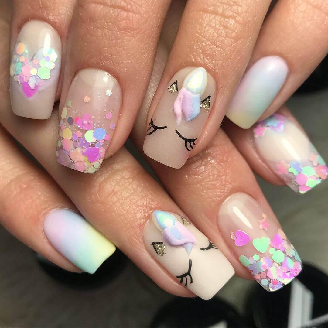 uñas decoradas con unicornio para niñas