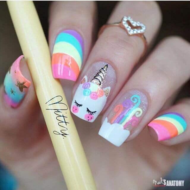 uñas para niñas decoradas con unicornio