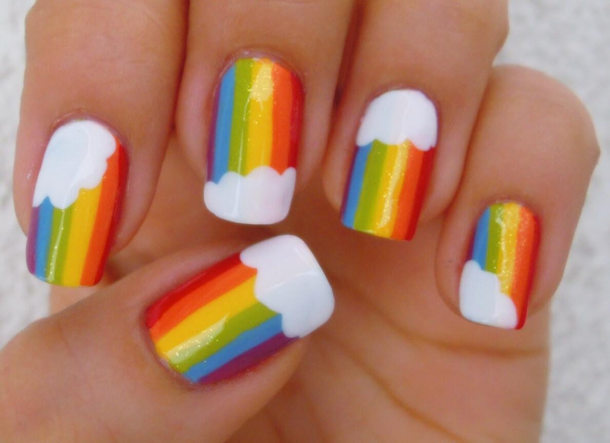 uñas sencillas de arcoiris para niñas