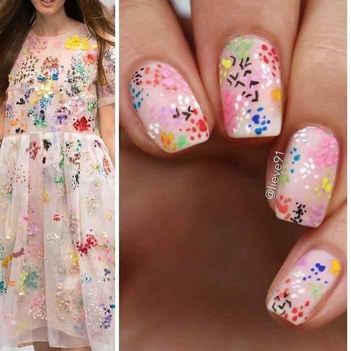 uñas abstractas para niñas