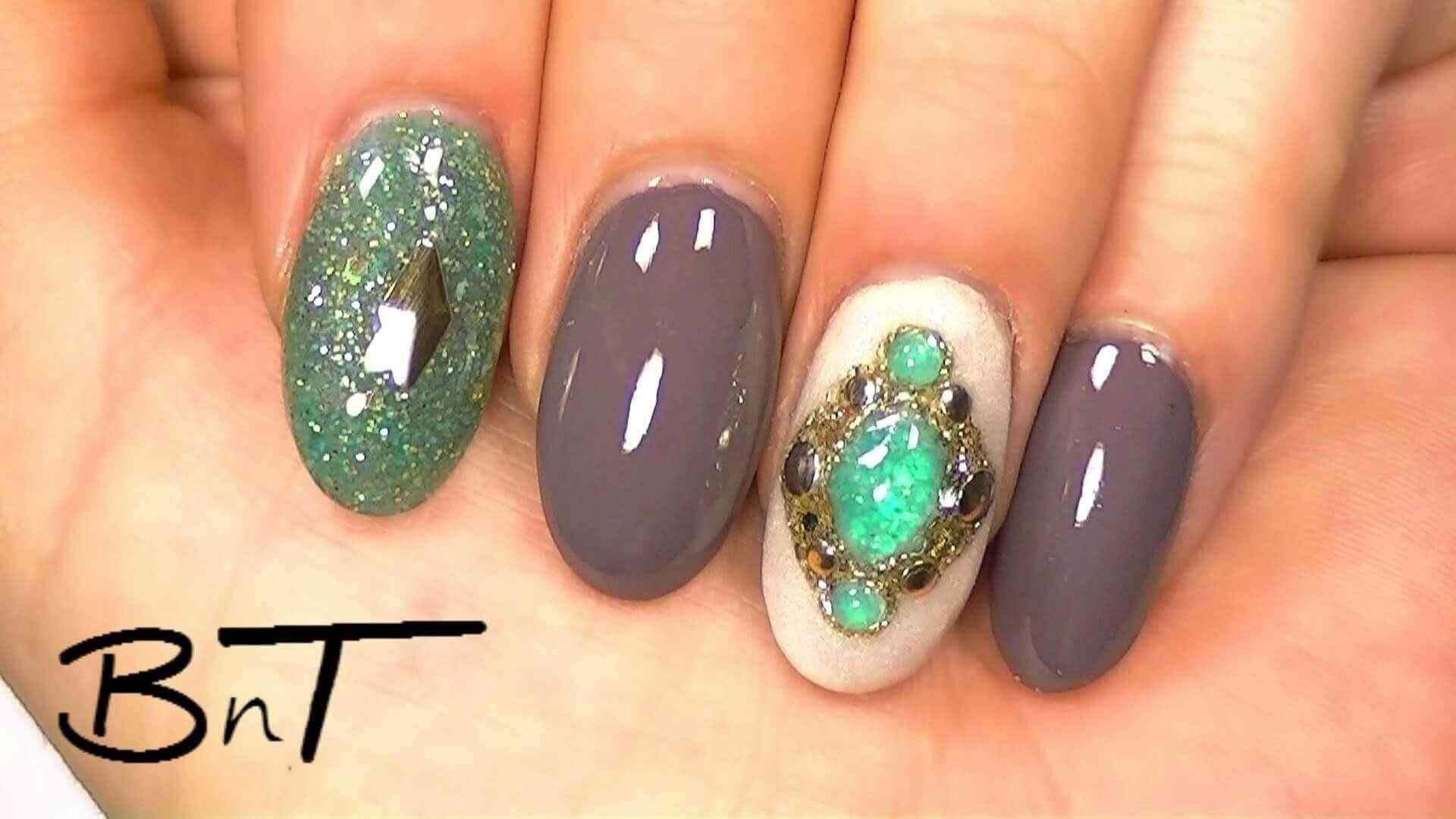 uñas acrílicas con piedras