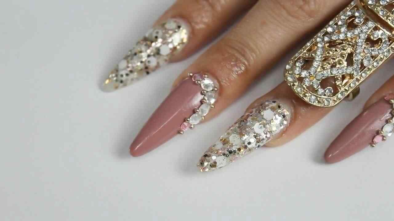 uñas acrílicas diseño elegante