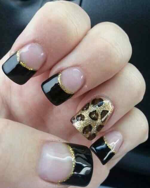 uñas acrílicas negras animal print