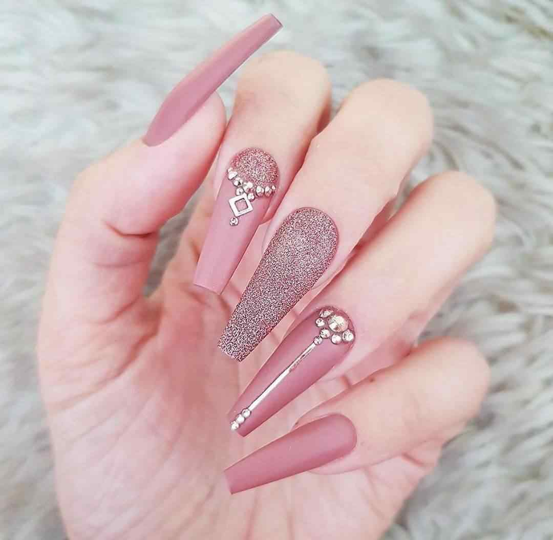 uñas acrilicas rosa viejo