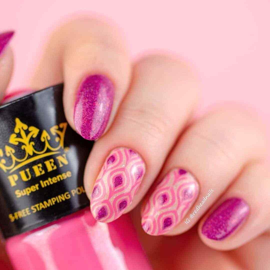 uñas con estampado rosa