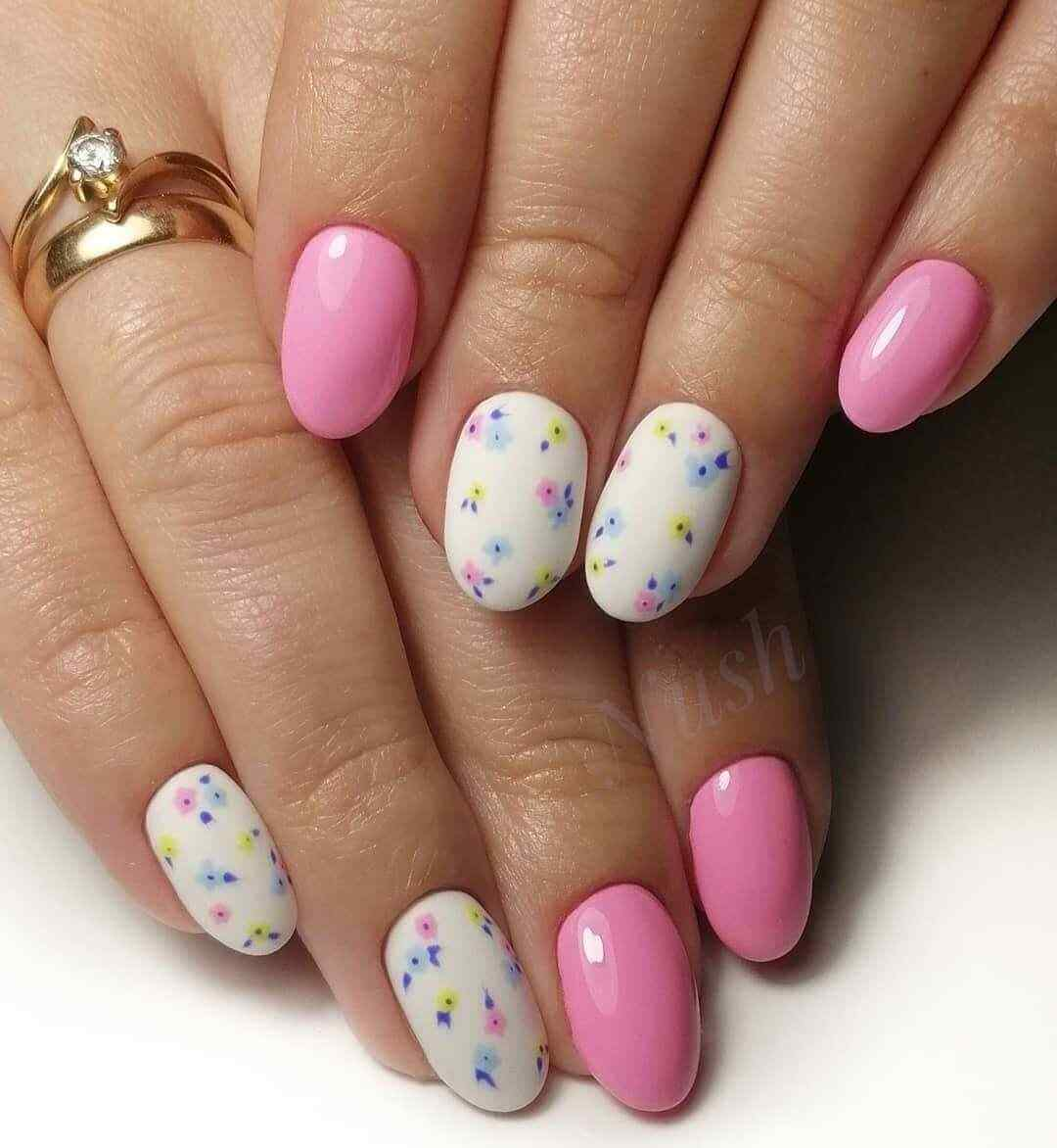 uñas decoradas rosa con flores