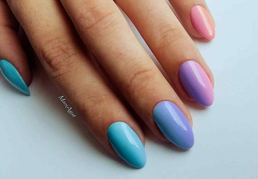 uñas degradado arcoiris