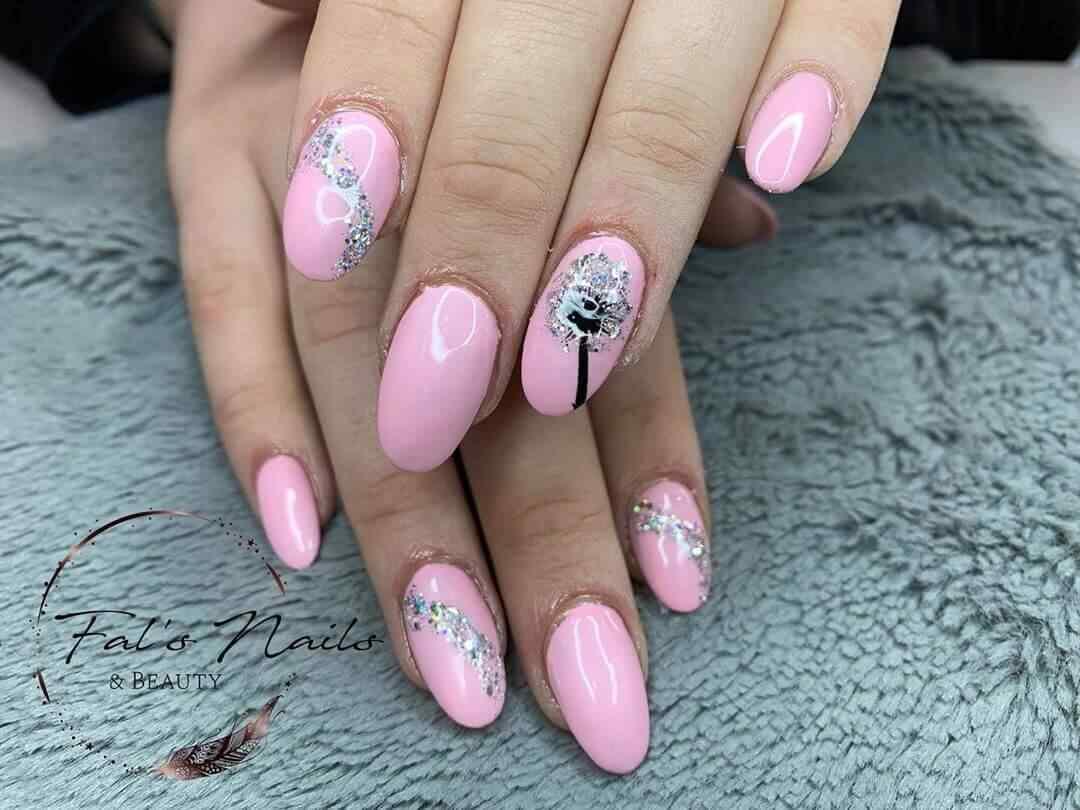 uñas elegantes rosa
