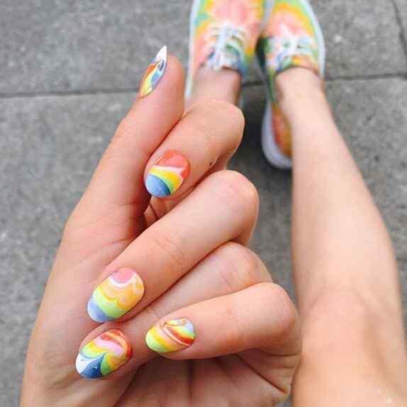 uñas faciles con colores
