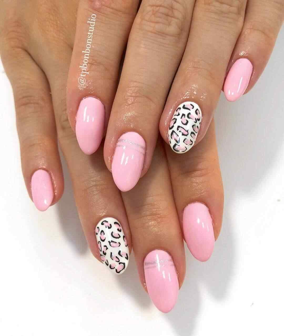 uñas rosa con animal print