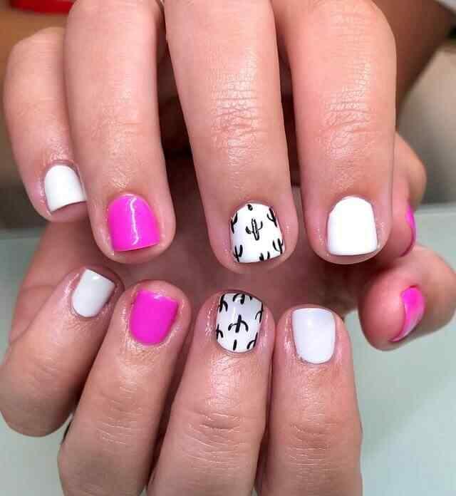 uñas rosa con blanco y cactus