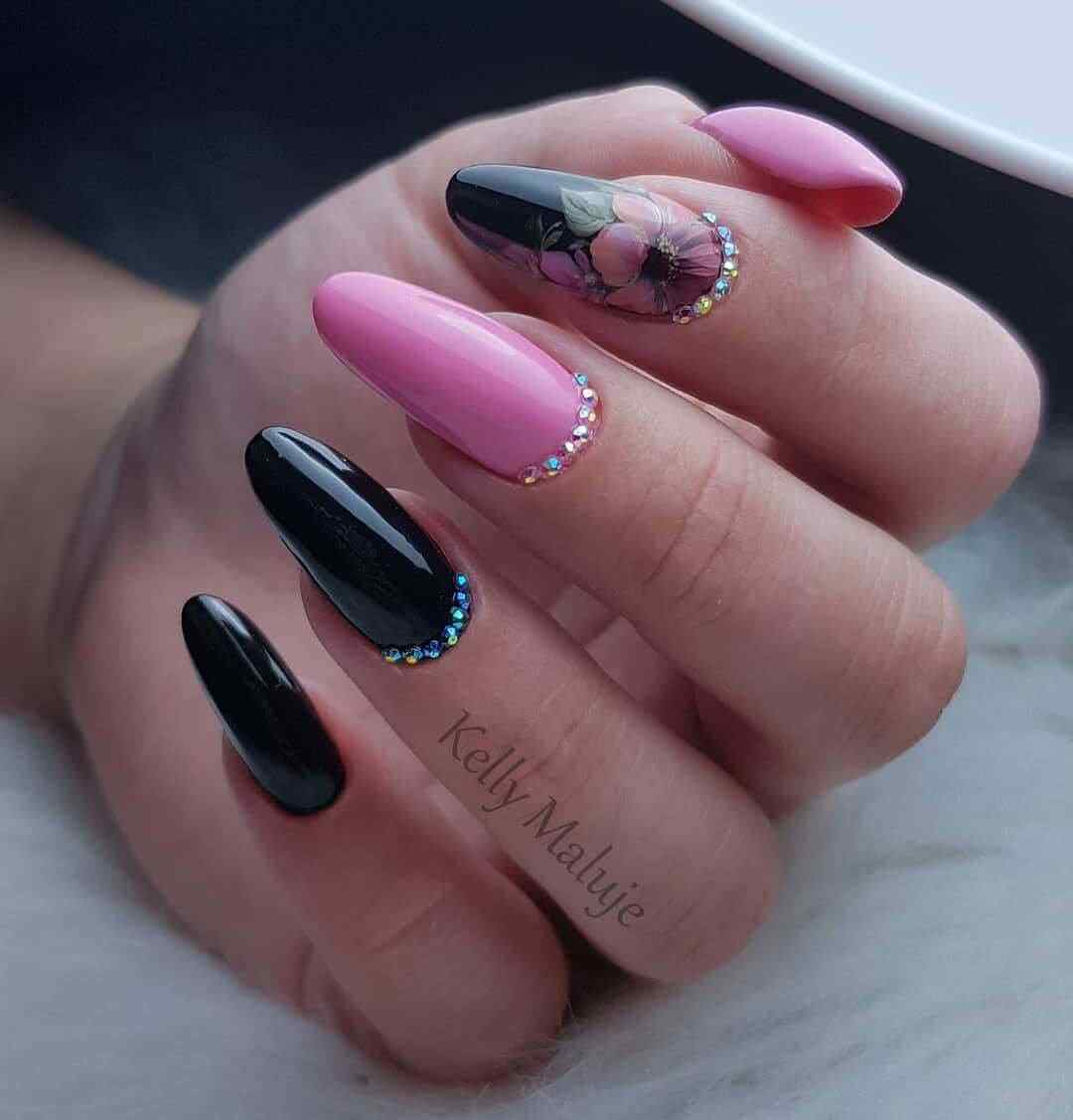 uñas rosa con negro elegantes