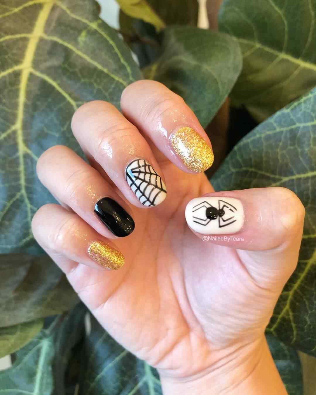decoracion de uñas con arañas para halloween