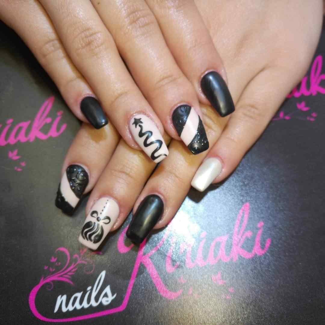 decoracion de uñas navideñas color negro