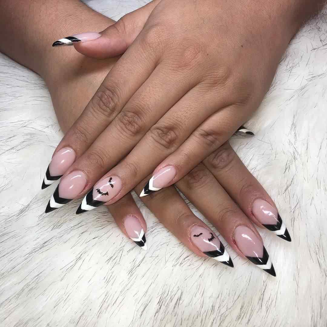 diseño de uñas con muercielagos
