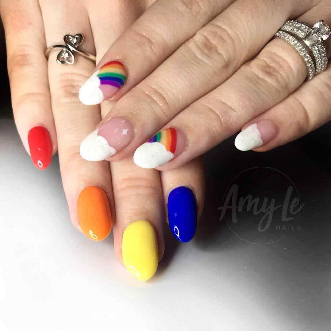 diseño de uñas sencillo y juvenil