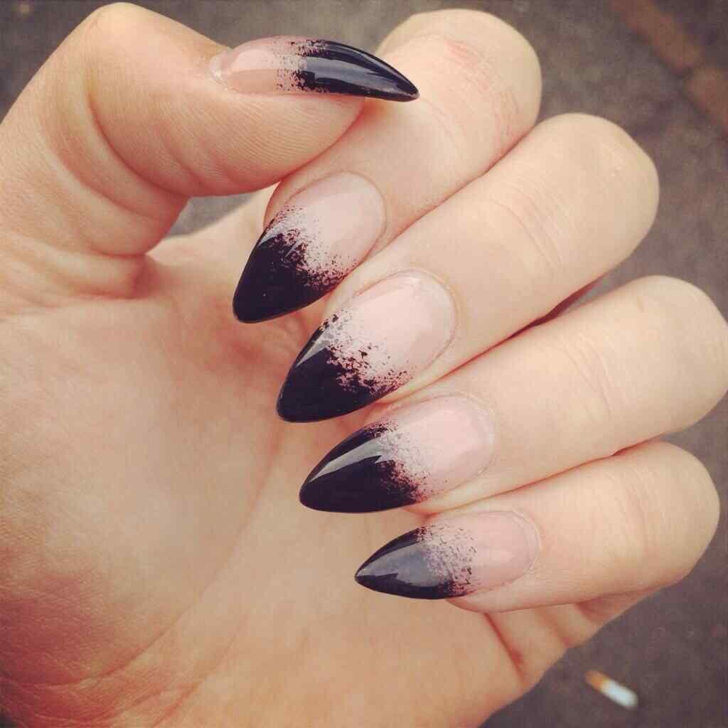 diseño uñas halloween bruja
