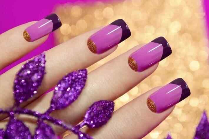 en color rosa con negro y dorado