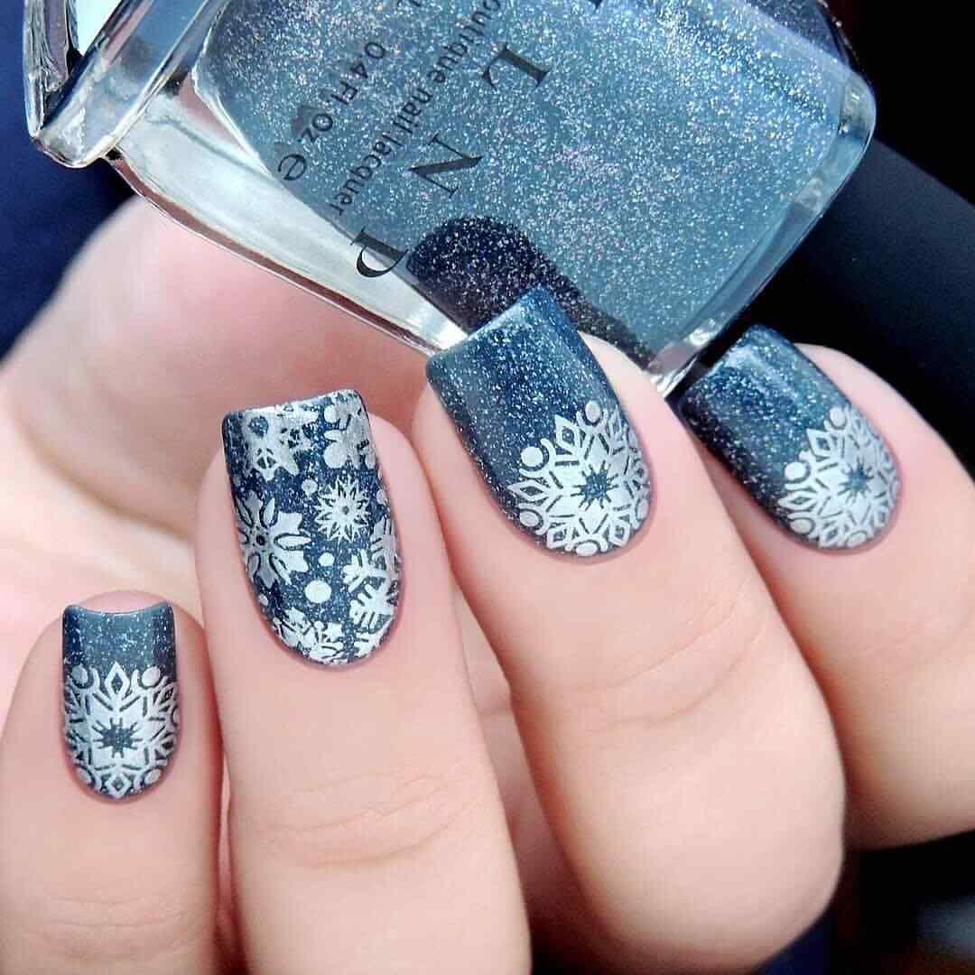 estampado de uñas para navidad