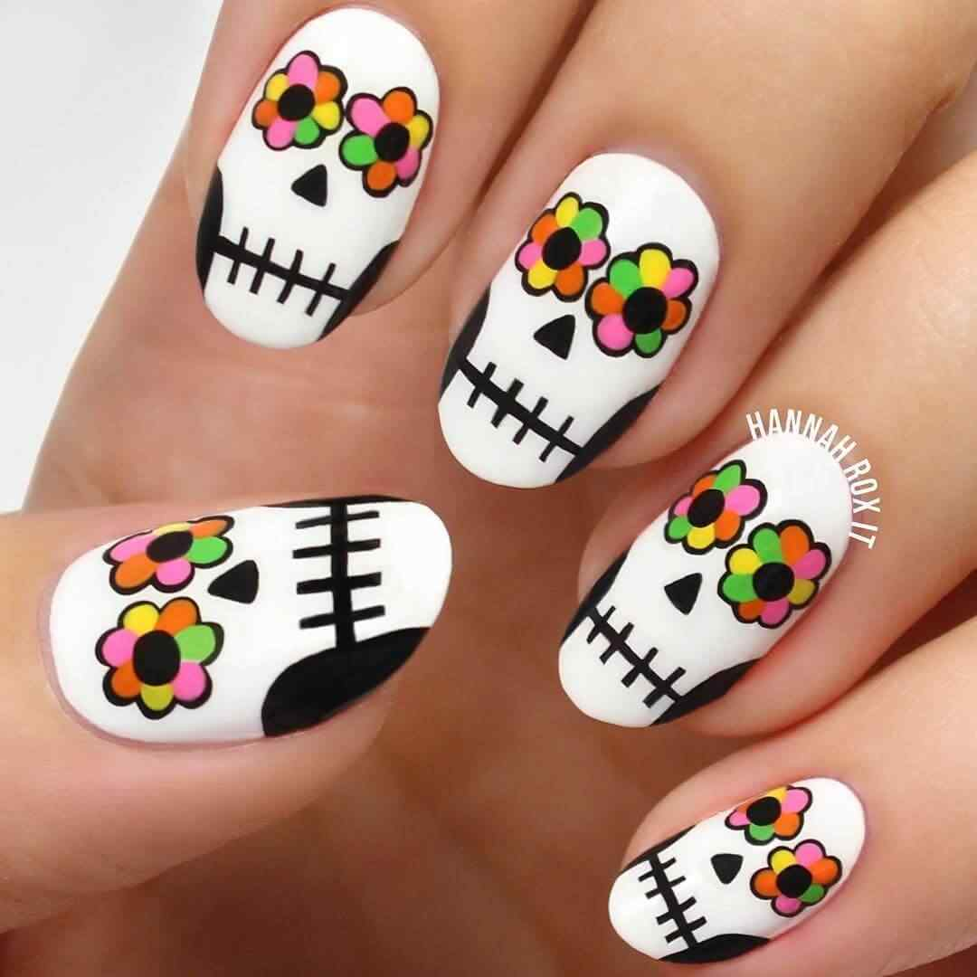 modelo de uñas con catrina