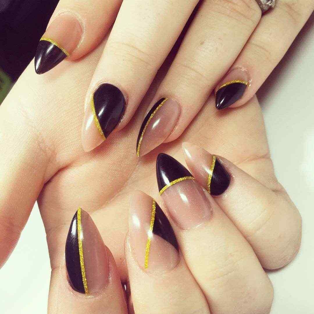 negro y dorado con espacios en nude