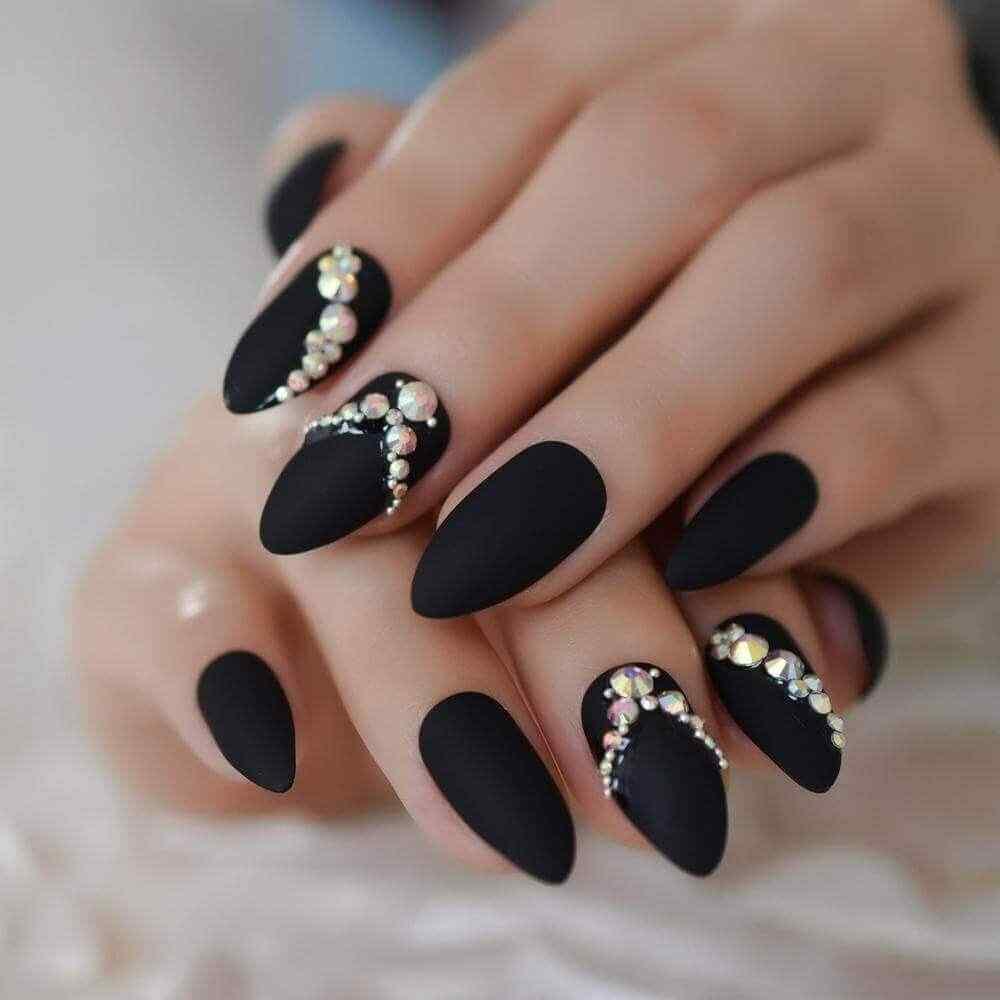 sobre uñas almendras mate