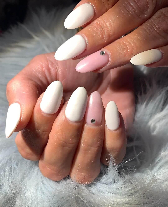 uñas blanca con nude