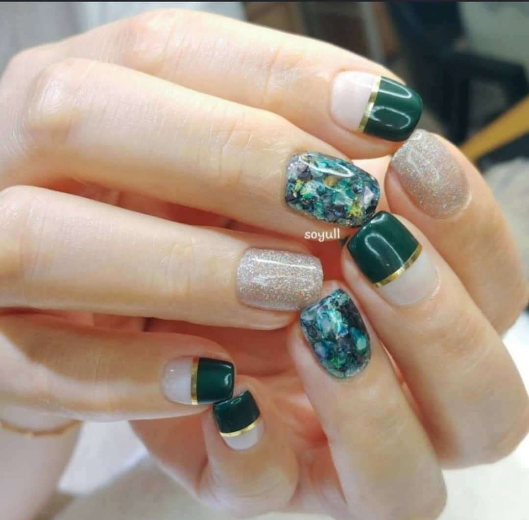 uñas cortas elegantes color verde