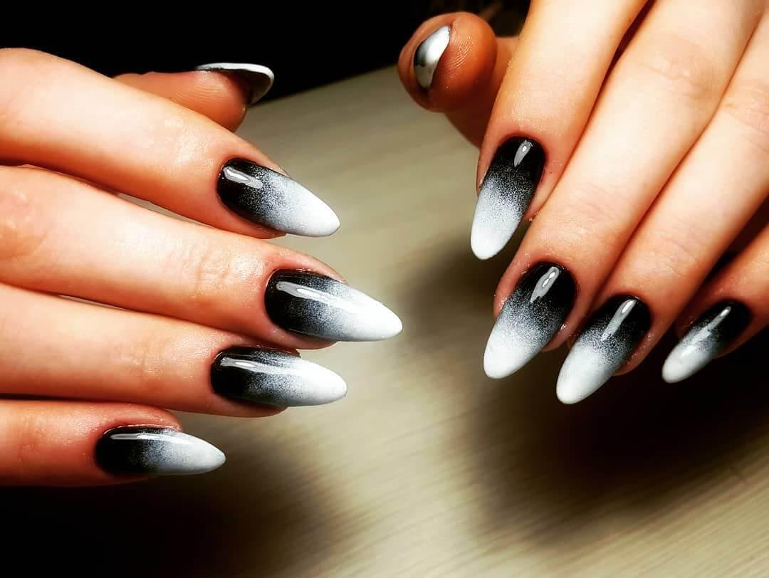 uñas degradadas blancas a negro