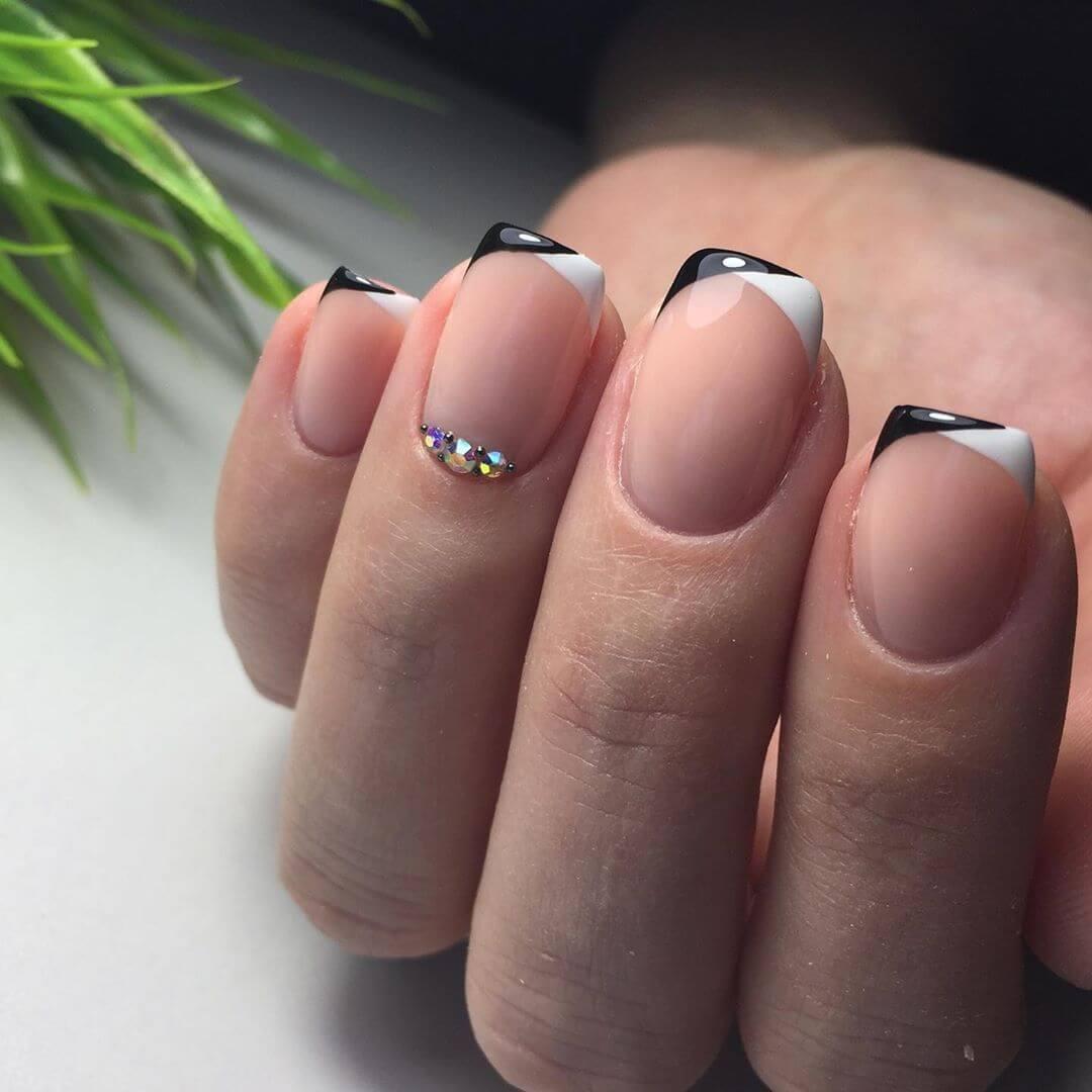 uñas francesa blancas con negro