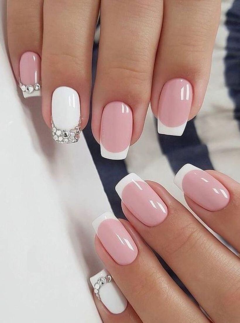 uñas francesas blancas con rosa