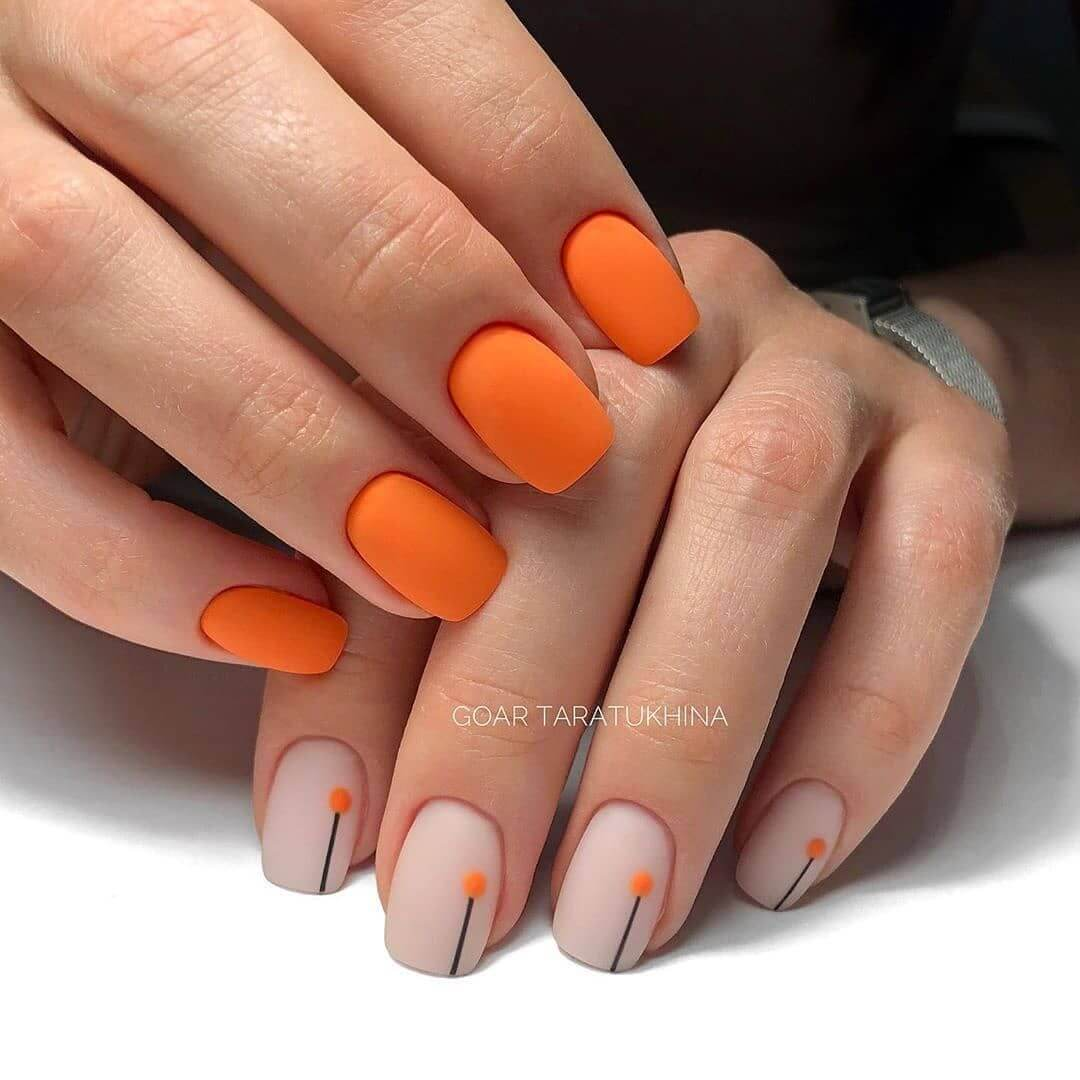 uñas sencillas color naranja mate